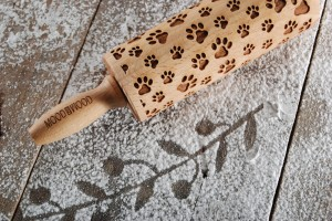 PAWS - MINI embossing rolling pin with the cutest paws traces
