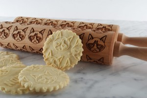 PRISSY CAT -  embossing rolling pin with really grumpy animal