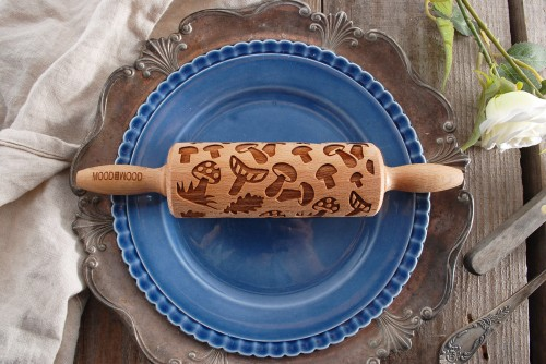 Mini rolling pin with mushroom design